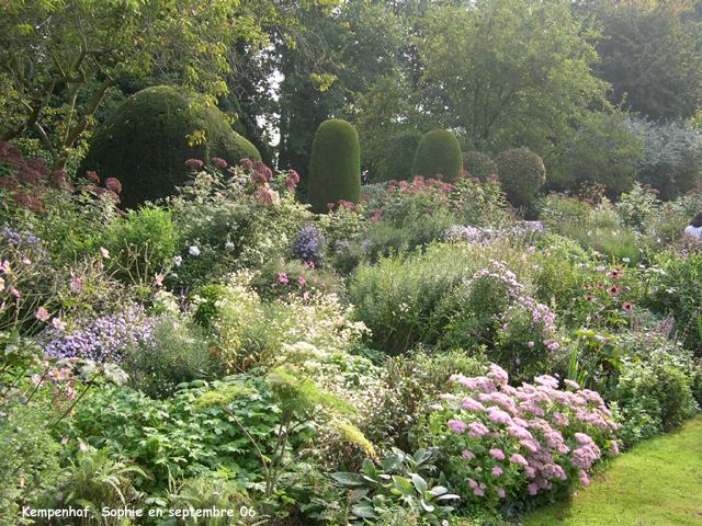 Le jardin du kempenhof le mixed border en automne for Jardin anglais mixed border
