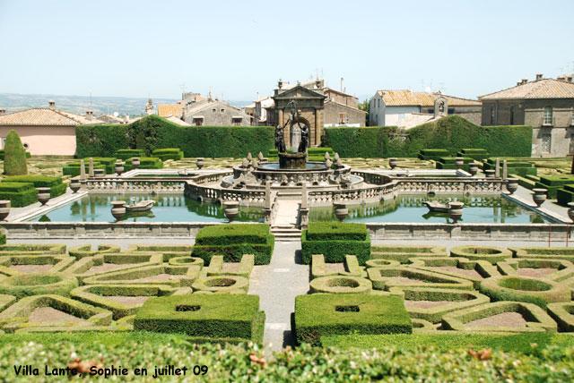 Villa lante la fontaine des maures for Les jardins de la villa porte maillot